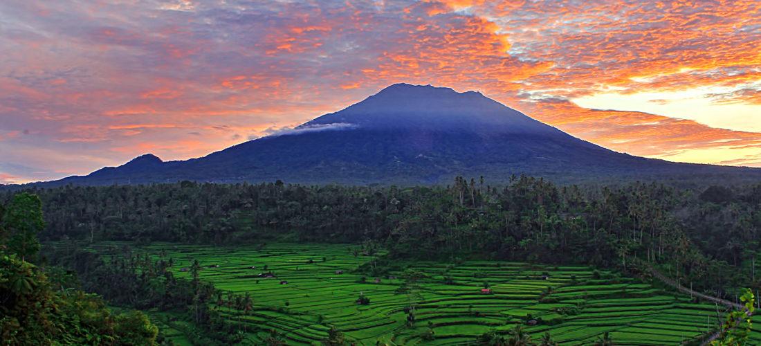 Вулкан Гунунг Агунг Бали