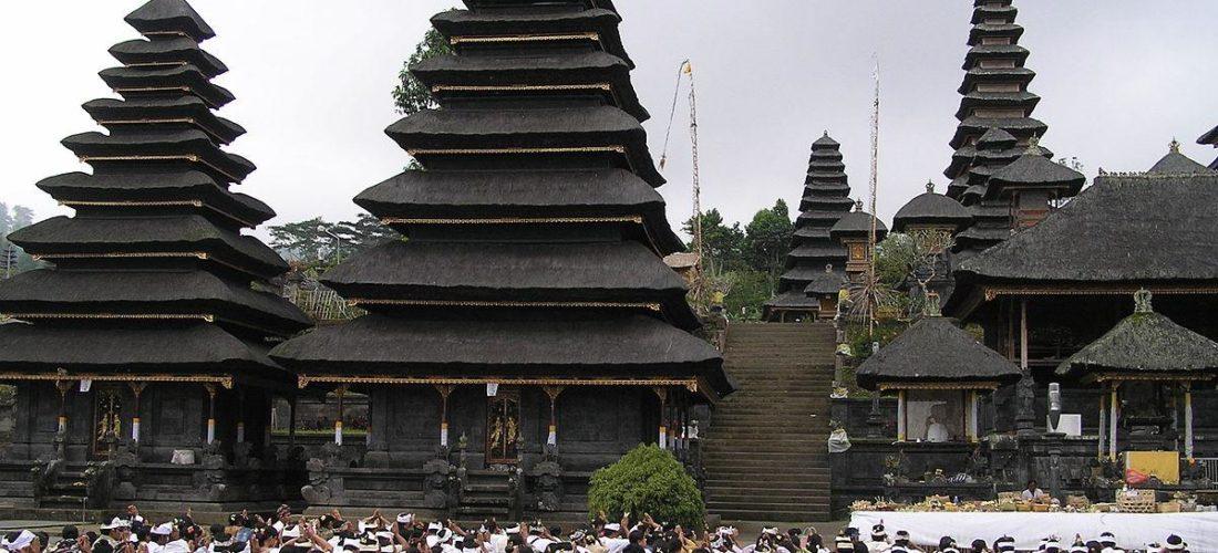 pura-besakih-bali-indonesia